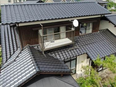 福喜 外壁塗装外壁はシンプルで明るく♪屋根は強く長く!しっかりお家を守るリフォーム