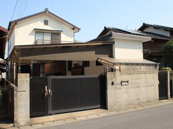 屋根には遮熱塗料、外装には高耐久性塗料スーパームキコート使用