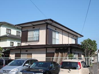 板金屋根葺き替えと外壁塗装で外観一新、雨漏り解消
