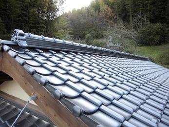 土葺きの和瓦から人気の石州陶器瓦銀黒へ