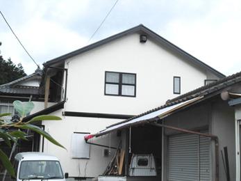 外壁塗装と瓦屋根葺き変えで新築のようにぴかぴか