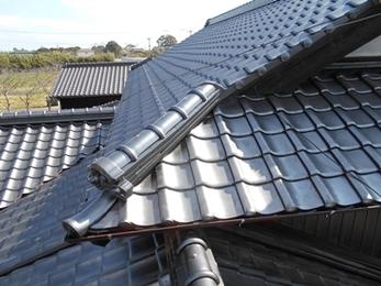 頑丈な瓦でしっかり雨漏り予防!安心・安全屋根葺き替えリフォーム